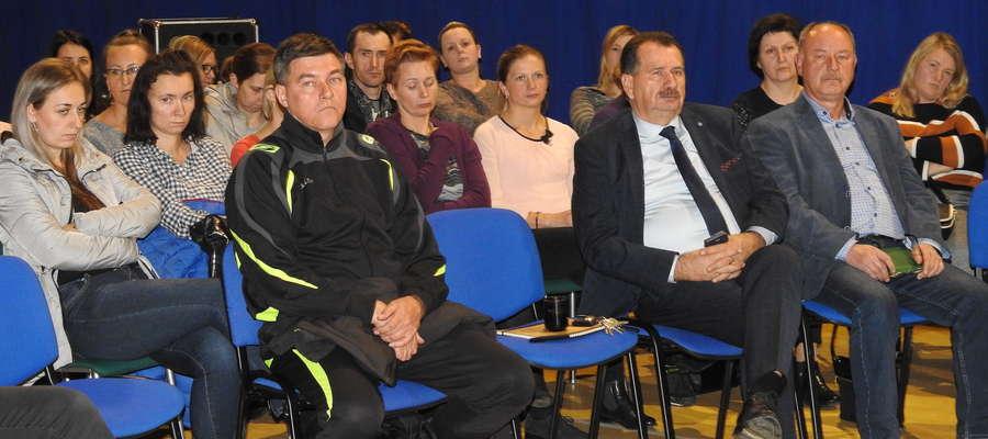 W czasie zebrania w szkole w Radomnie
