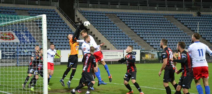 W Ostródzie piłkarski rok ligowy Sokół po remisie z Kaczkanem Huraganem zakończył na 1. miejscu