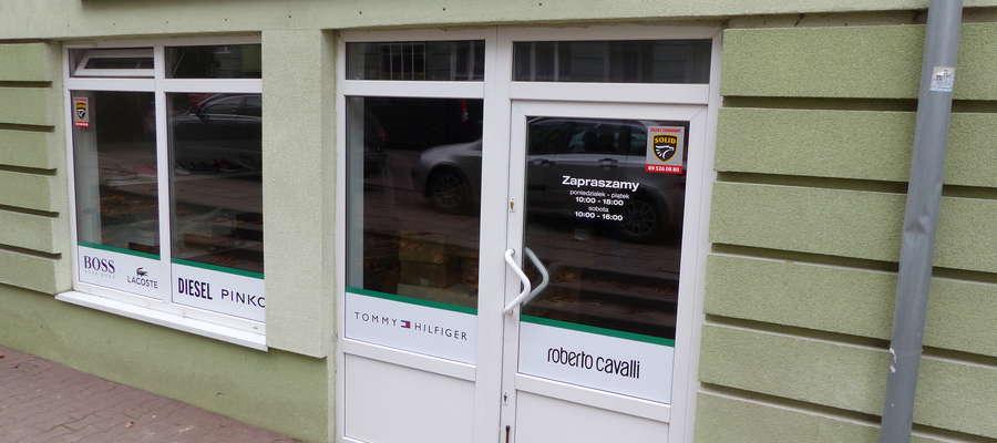 Outlet z markami światowej klasy projektantów mieści się w centrum Iławy przy ul. Królowej Jadwigi 18