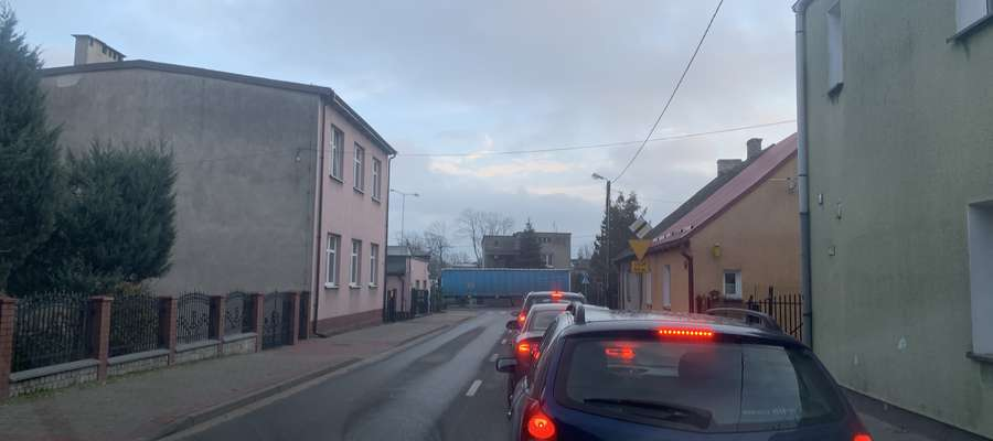 Ulica Rzepnikowskiego około 8 rano w poniedziałek