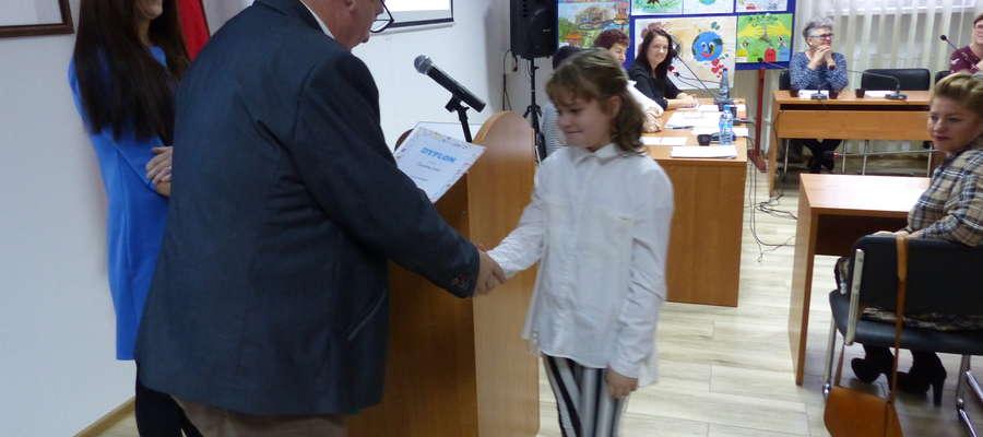 Nagrody i wyróżnienia wręczał wójt gminy Działdowo Mirosław Zieliński