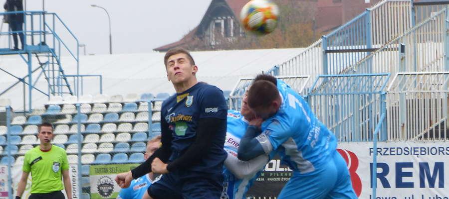 W poprzednim meczu Jeziorak pokonał na swoim terenie Stomil II Olsztyn 2:0, teraz czas na rewanżowe spotkanie z Polonią Lidzbark Warmiński