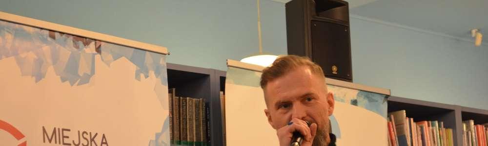 Spotkanie z Tomaszem Organkiem w Planecie 11. Biblioteka była pełna!