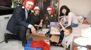 Dobrze jest być Świętym Mikołajem i dostać uśmiech dziecka