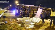 Zderzenie ciężarówki i volkswagena na S51 w kierunku Olsztyna. MAN leży przewrócony na jezdni [ZDJĘCIA]