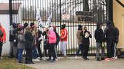 Oddajcie Łysego- manifestacja młodzieży przed aresztem