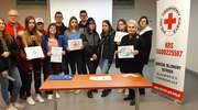 Wolontariusze z Klubu Ośmiu i PCK zebrali dary dla najbardziej potrzebujących