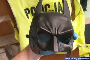 Batman przeszedł na ciemną stronę mocy... Złodzieje atakują w maskach