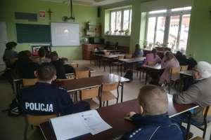 Spotkania policjantów z młodzieżą