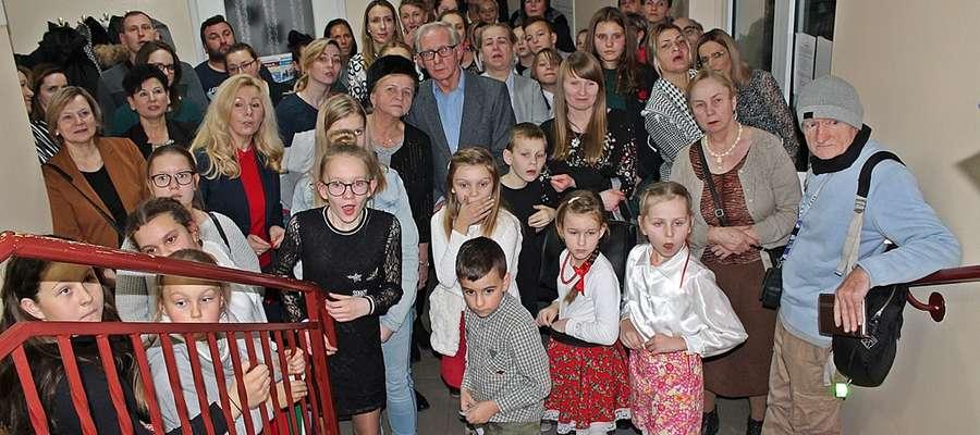 """Uczestnicy jubileuszowej wystawy w Galerii """"13"""""""