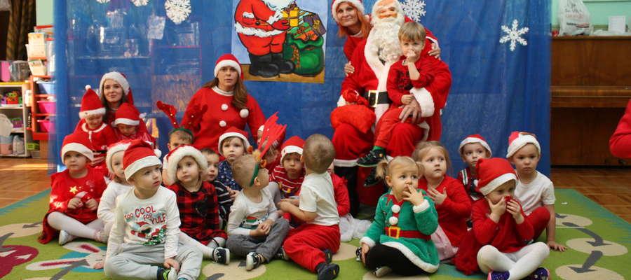 """Mikołaj odwiedził dzieci z przedszkola niepublicznego """"Radość"""""""