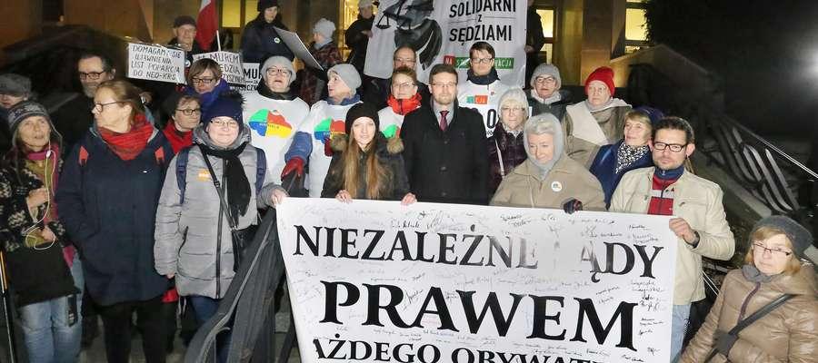 Wiec poparcia Juszczyszyn