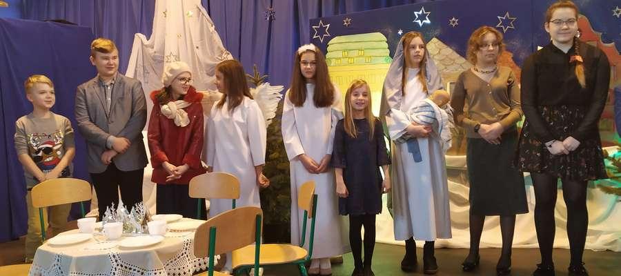 Podczas bożonarodzeniowego występu uczniów SP 1