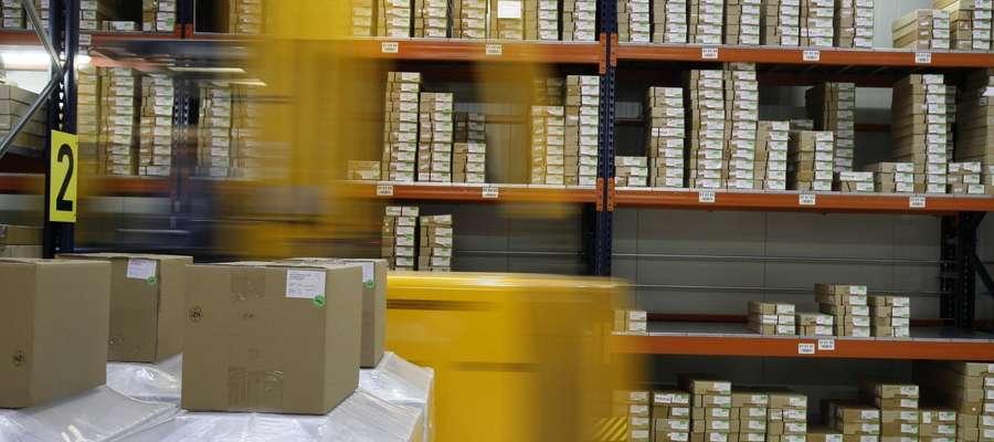 W sytuacji, gdy paczka dostarczona przez kuriera ulegnie zniszczeniu, niezbędne jest spisanie protokołu.
