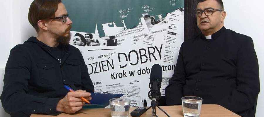 """""""Rozmowa Gońca"""": ks. Artur Oględzki, proboszcz parafii św. Jana Ewangelisty w Bartoszycach"""