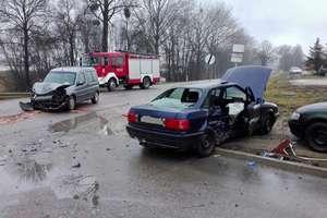 5-letnie dziecko i dorosły pasażer ranni w wypadku