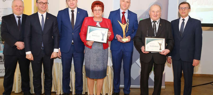 Laureaci plebiscytu na Super Sołtysa 2018 na gali w Olsztynie