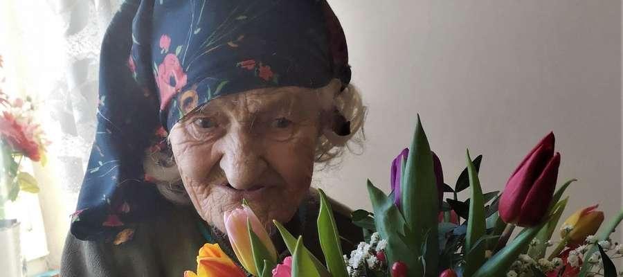 Nigdy nie piła alkoholu i nie paliła. Przeżyła 100 lat!