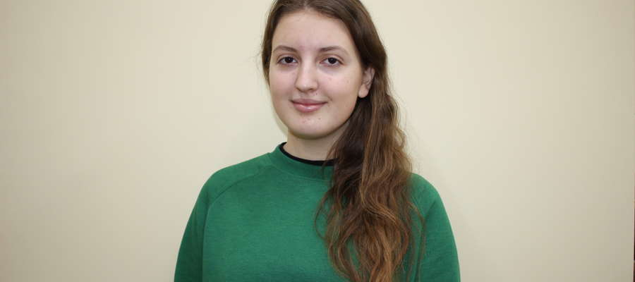 Agnieszka Pilarska ze średnią ocen 5,17, jest najlepsza uczennicą w szkole w Zielonej.