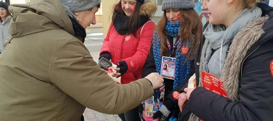 Na ulicach Kętrzyna w styczniu już po raz 24. pojawią się wolontariusze z czerwonymi serduszkami
