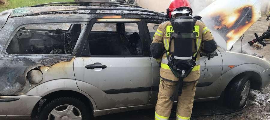 Pożar samochodu w Bartoszycach.