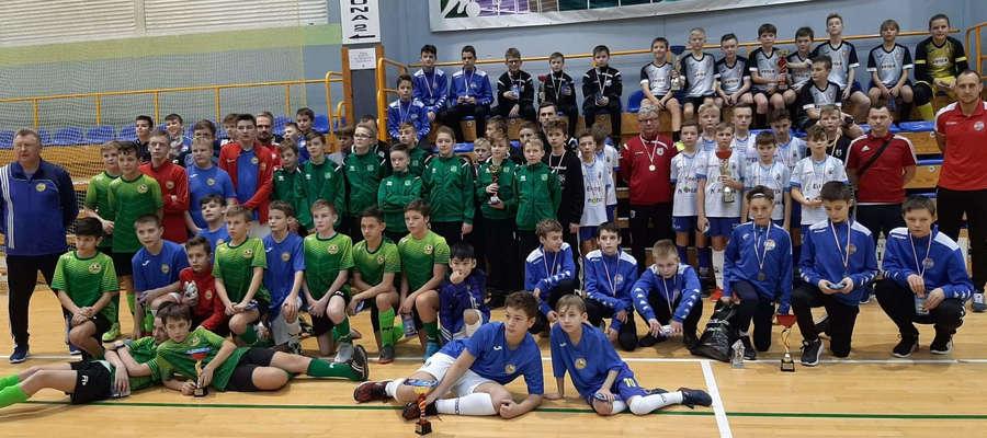 W turnieju rocznika 2007 w hali OCSiR zagrało osiem drużyn
