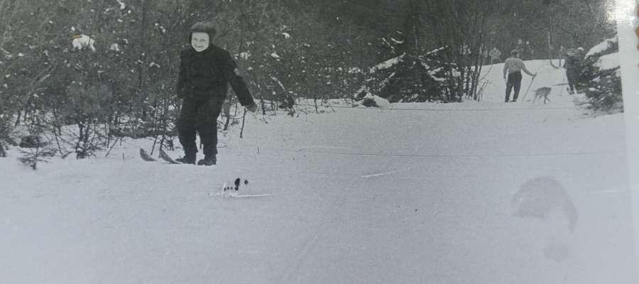 Brat Władysława Katarzyńskiego, Zbyszek, na nartach za WDK. Rok 1959