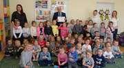 Przedszkolaki w Nowej Wsi Ełckiej ugościły wicekuratora oświaty