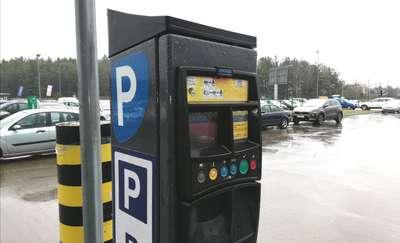 Parkingi przy sklepach pod lupą UOKiK. Czy klienci są wprowadzani w błąd?