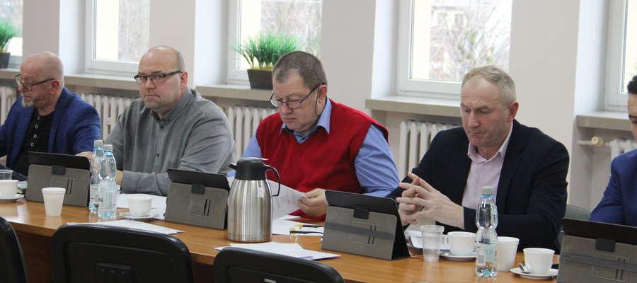 Żuromińscy radni przyjęli stosowny apel ws. gospodarki odpadami