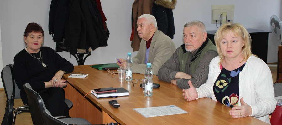Na posiedzenie komisji przyszli reprezentanci chóru Sonata przy ŻCK.