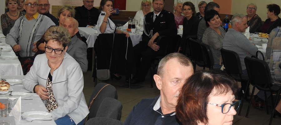 Goście spotkania w Nielbarku z okazji Dnia Seniora