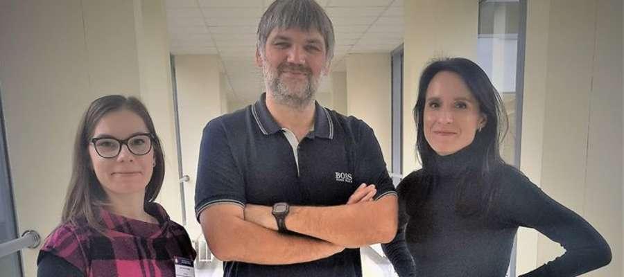 Od lewej: mgr Paulina Jaworska, prof. Dawid Larysz i mgr Ada Bogdanowicz.