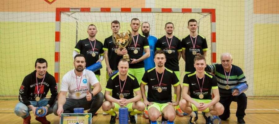 Mistrzostwo Suskiej Ligi Futsalu w sezonie 2019/20 zdobyła drużyna Flashcars