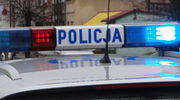 Trzej mężczyźni poszukiwani. Okradli 86-latkę pod pozorem sprzedaży koca