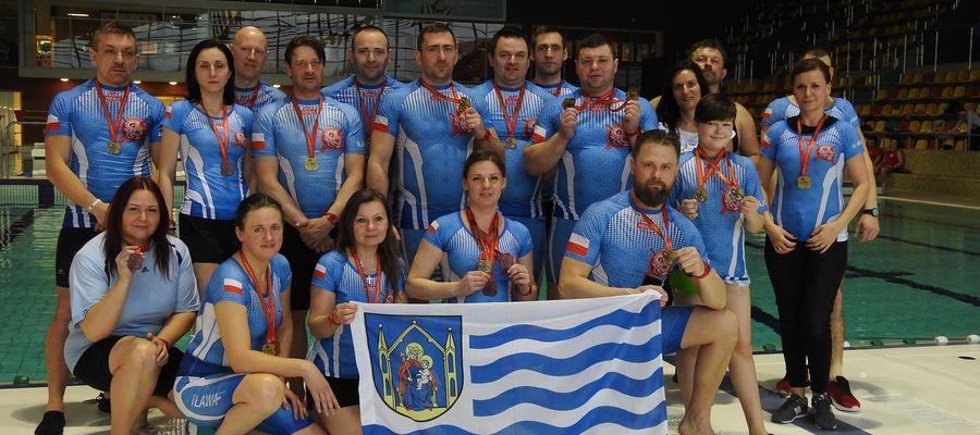 Iławskie Smoki Jezioraka w czterech kategoriach dotarły do finałów zawodów basenowych w Olsztynie, ostatecznie wygrywając w dwóch: Sport Mixt oraz Fan Open