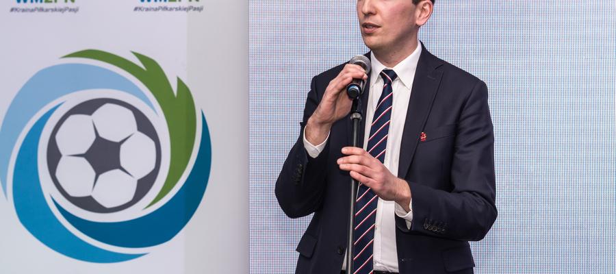 — Nie podejmiemy żadnej decyzji bez konsultacji z piłkarskim środowiskiem Warmii i Mazur — przekonuje prezes Marek Łukiewski