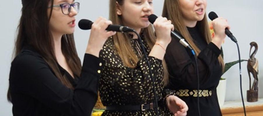 Dziewczyny chcą śpiewać razem jak najdłużej