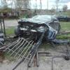 Pijany 21-latek zniszczył ogrodzenie i uciekł z miejsca zdarzenia [ZDJĘCIA]