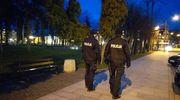 Policjanci czuwają nad przestrzeganiem nowych ograniczeń