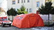 Nowe procedury i namioty do triażu przed szpitalami w regionie