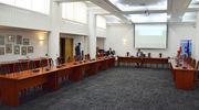 Sesja rady powiatu: nadzwyczajna i niezwykła