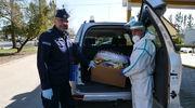 Policjanci przekazali środki ochrony osobistej dla ostródzkiego szpitala