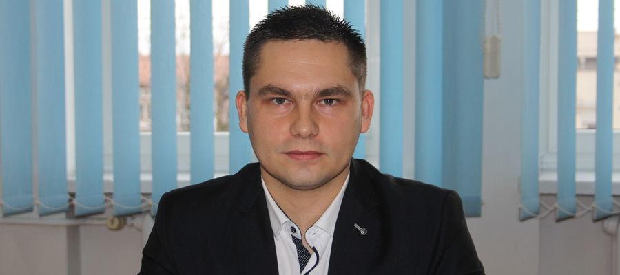 Radny Tomasz Budzich uważa, że gmina w obecnej sytuacji musi pomóc drobnym przedsiębiorcom