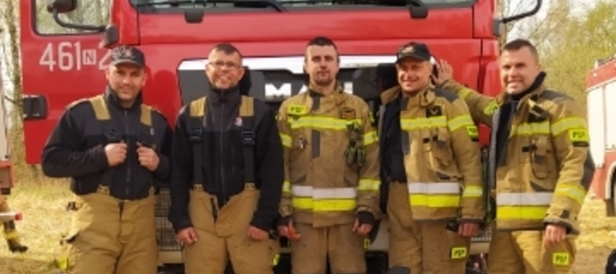 Pięciu iławskich strażaków przez ponad trzy doby walczyło z pożarem w największym parku narodowym w Polsce