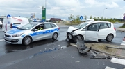 Wypadek i 109 km/h w obszarze zabudowanym. Policja apeluje: Kierowco, nie ryzykuj życiem własnym i innych!