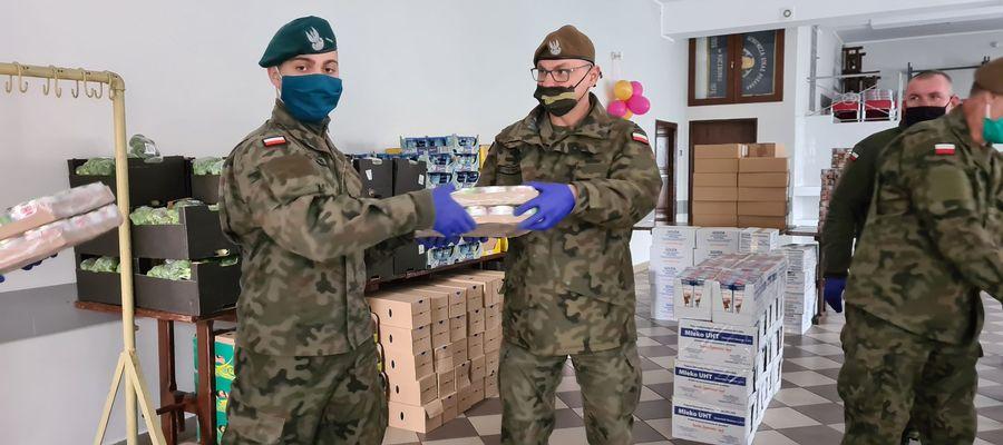 Żołnierze przyjechali do Kuczborka we wtorek, 12 maja.