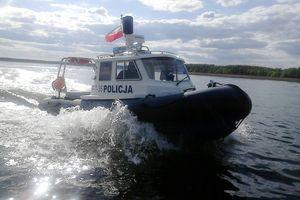 Dwóch nietrzeźwych sterników zatrzymanych przez policyjnych wodniaków na Jeziorze Nidzkim