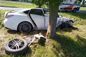 Wypadek pod Rogóżem. Kobieta z urazem kręgosłupa trafiła do szpitala