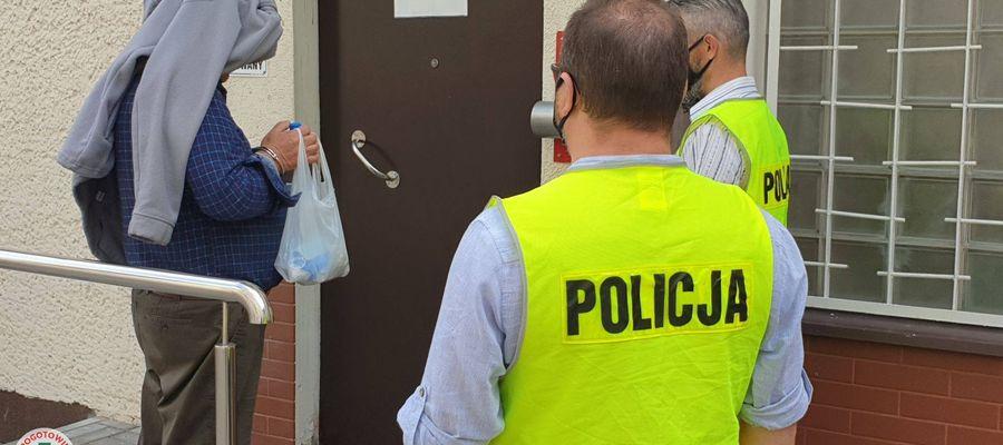 Sąd Rejonowy w Olsztynie zdecydował o aresztowaniu Zygmunta D. właściciel schroniska dla zwierząt w Radysach  na trzy miesiące za znęcanie się nad zwierzętami i nielegalne posiadanie amunicji
